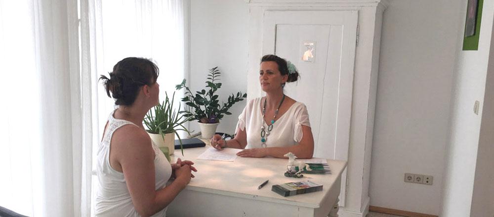 Nackenschmerzen von der Heilpraktikerin in Markdorf behandeln