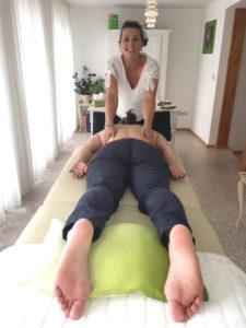 Bei Schmerzen in den Schultern schnell zur Heilpraktikerin in Markdorf